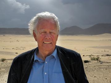 Rob Ruggenberg in de Noord-Afrikaanse woestijn